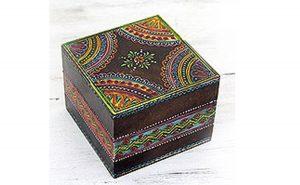 صندوقچه با نقوش هندی